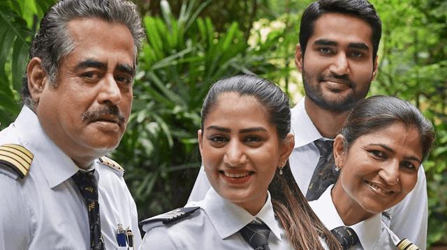 Indian pilot-family-640x359