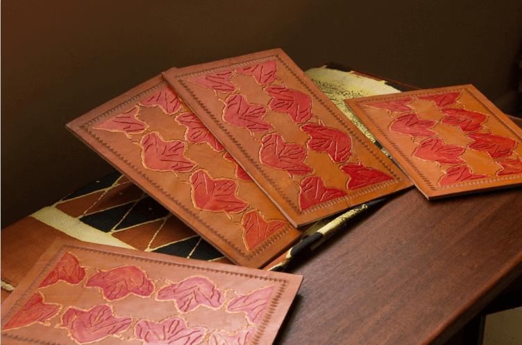 Wavinya Maliti table mat from tulip