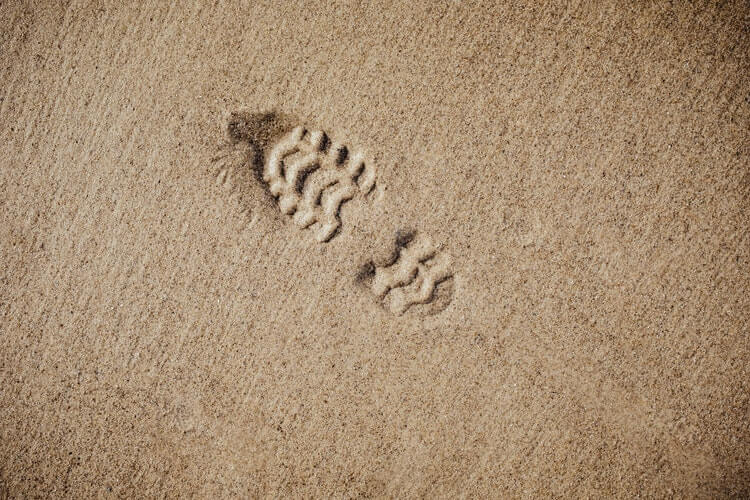 Footprint in the sand - Change the world mission