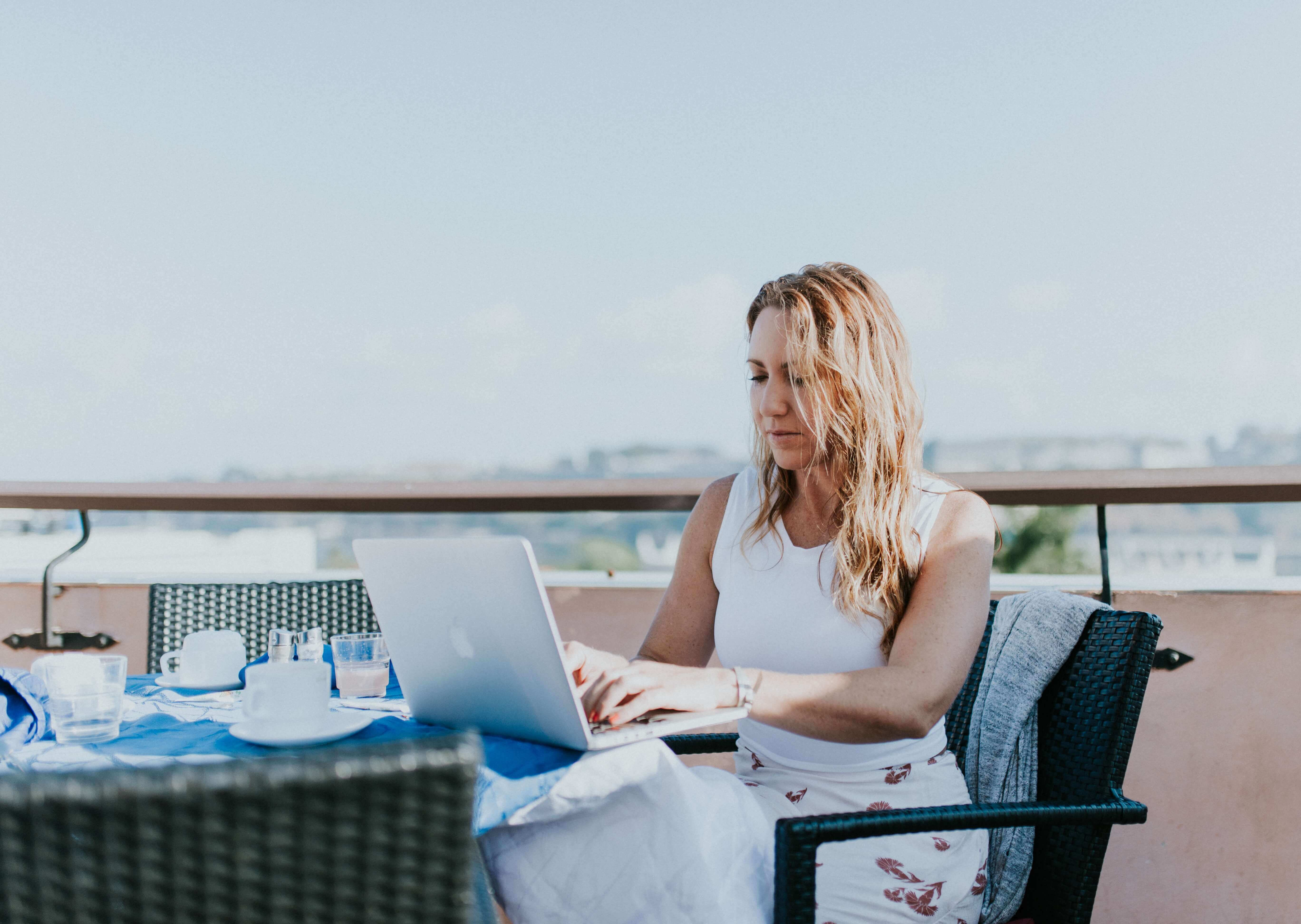 How to Become a Digital Nomad - Run a Successful Business