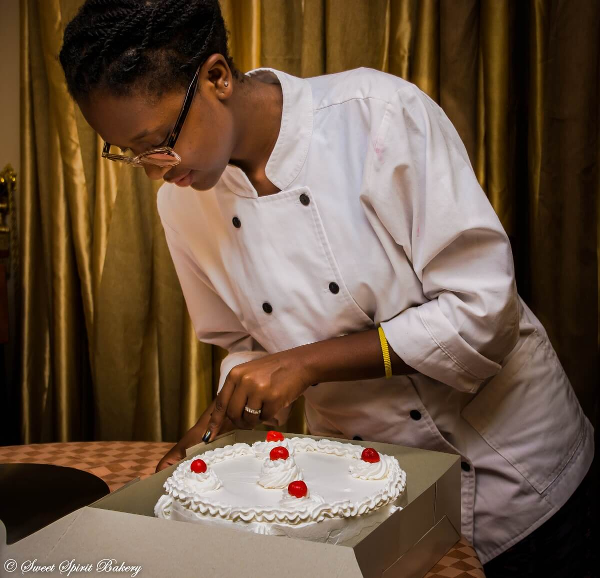 Stacey Kemo - Kenya's Baking Scenery with Stacey Monyoncho (2)